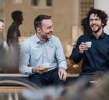 Kaffeepause mit Freunden