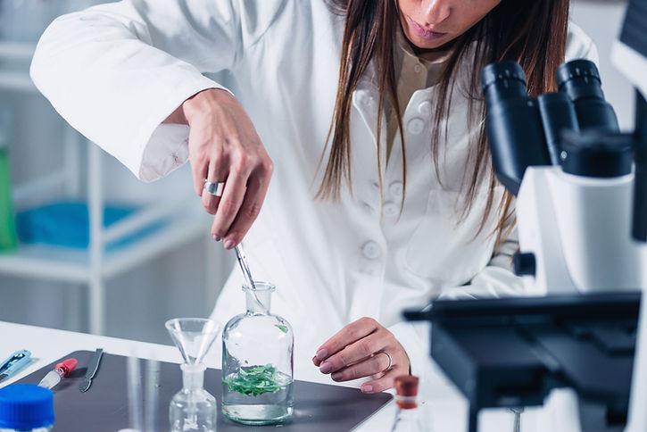 Travail de laboratoire ECCSEL Hygiène et substitution de solvants