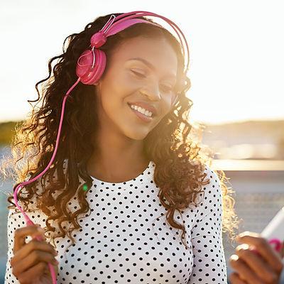 Poslech hudby na telefonu