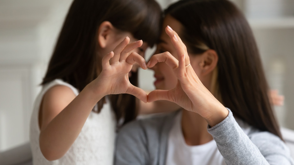 5 Excellent Ways to Easily Encourage Kindness with your Grandchildren