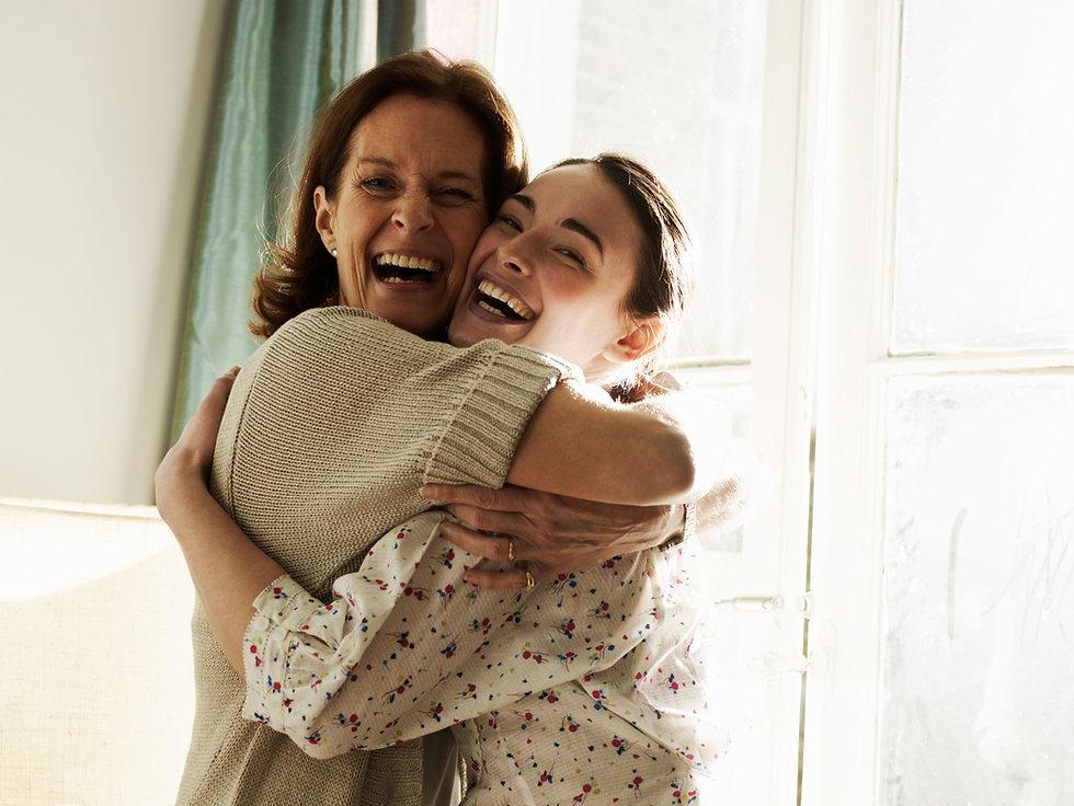 Abrazo de la madre