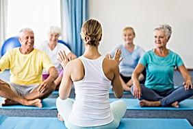 Cours de yoga senior