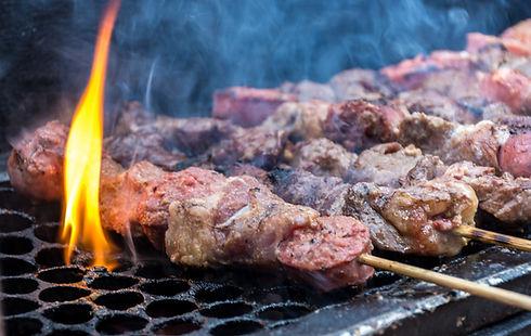Grigliare la carne