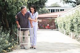 Accompagnement d'une démence type Alzheimer et de leurs proches