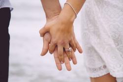 結婚したい...