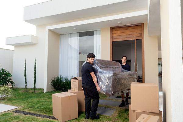 Movendo um sofá