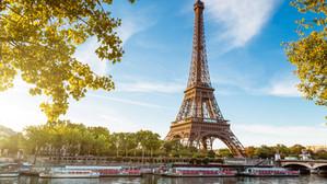 Turnul Eiffel s-a redeschis cu o cerere în căsătorie