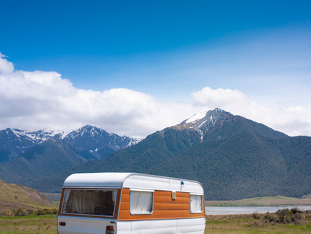 """Vintage campers and trailers: How """"bread loaves,"""" """"tin cans,"""" and """"teardrops"""" shaped leisure travel"""