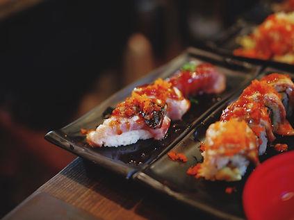 美しく盛られた握り寿司