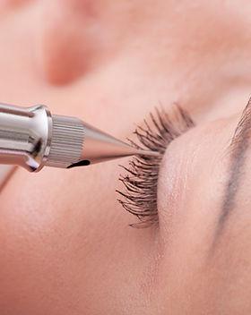 Maquillage des cils permanents