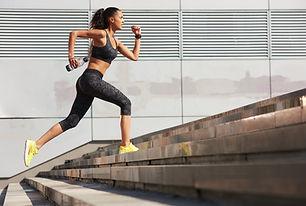Женщина спринтерская