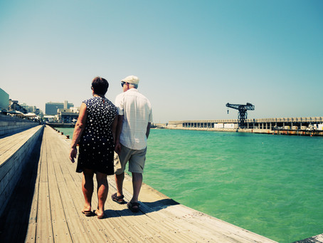 Tips for Caregivers Traveling With Someone With Dementia