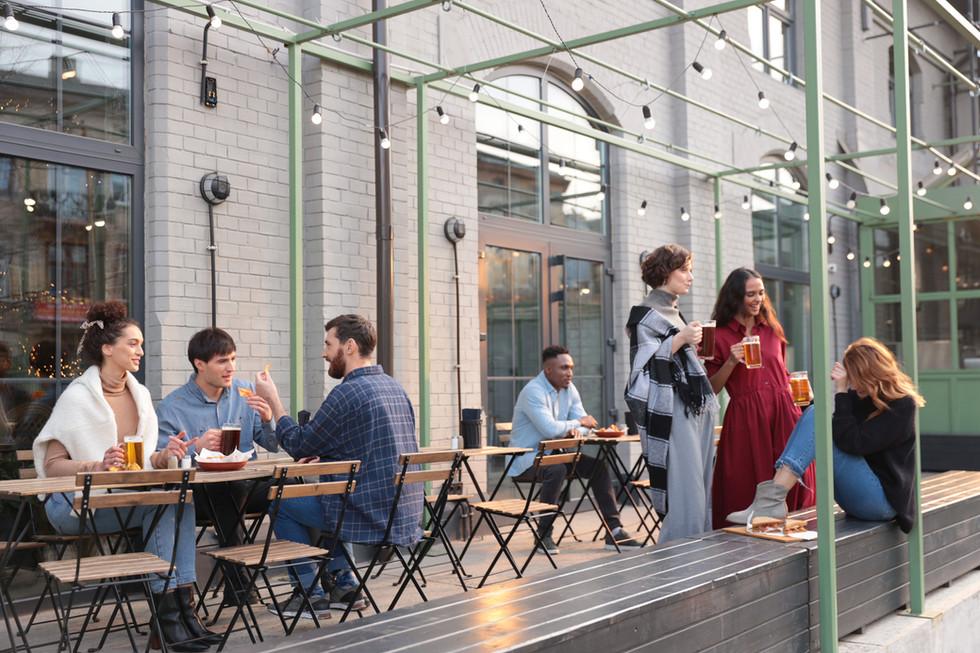 Asientos de restaurante al aire libre