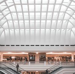 Einkaufszentrum / Rolltreppen