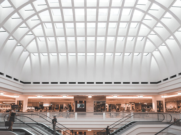 Ecalcalators i ett köpcentrum