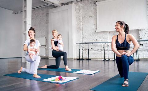 健康を保つ若い母親