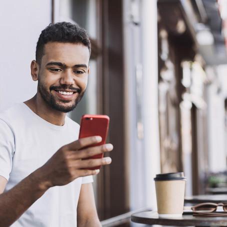 Luz, câmera e ação: Saiba como transformar seu conhecimento e um smartphone em um negócio lucrativo!