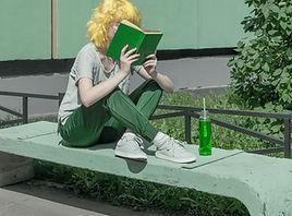Leyendo un libro