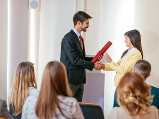 Razpis za podelitev nagrad in priznanj za delo na področju socialnega varstva v letu 2021