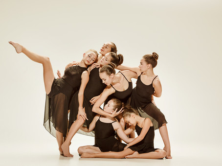 12 Pros and Cons of Competitive Ballet & Dance