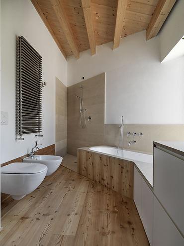 木製のバスルーム