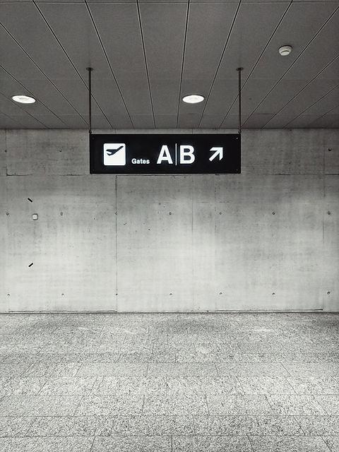 空港ゲートサイン