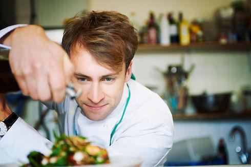 Chef qui cuisine