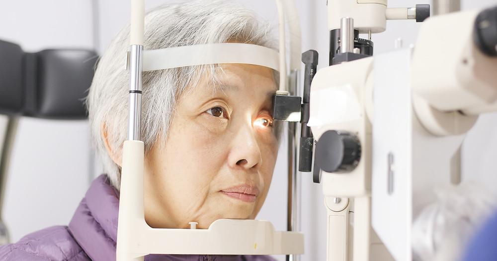 Cataracts Symptoms - Optometrist Okotoks