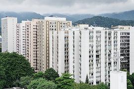 Edificios blancos