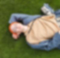 Descansando na grama