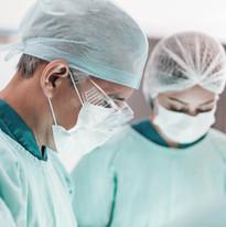 Ameliyat Sırasında Cerrahlar