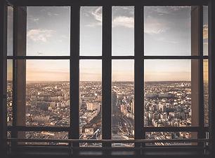 창에서 도시보기