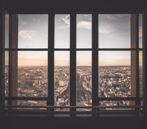 Städtische Ansicht vom Fenster