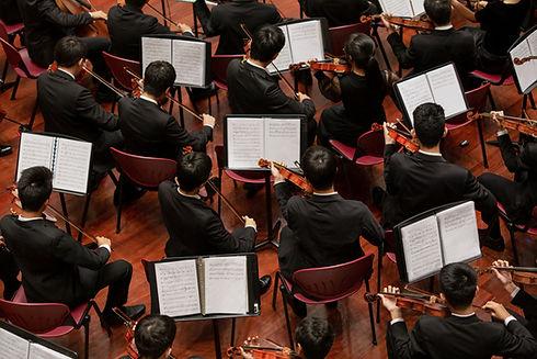 バイオリンのオーケストラ