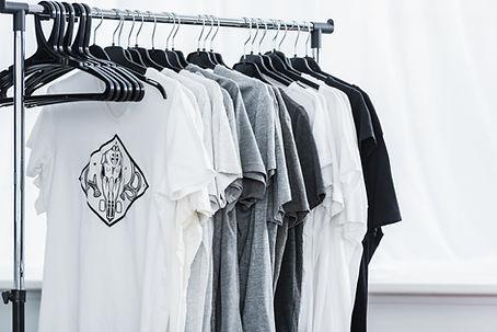 R4W Design T-Shirt
