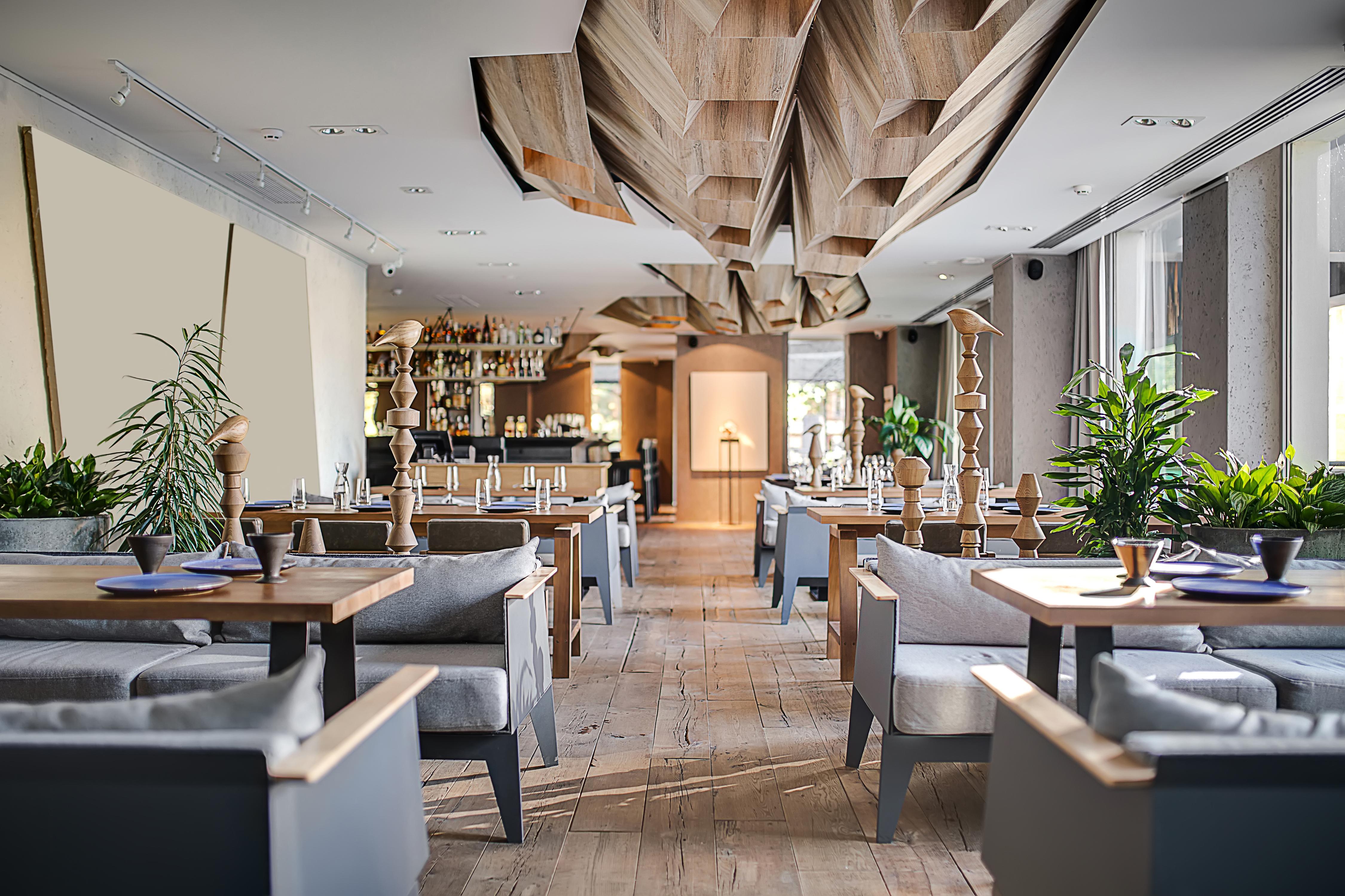 Intérieur de restaurant moderne