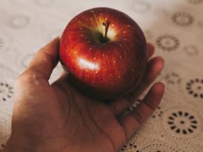 1ثمره فاكهه ( تفاح او كوب فراوله ، 2 كوب بطيخ او كانتلوب او 3 كيوي ) + كوب زبادي كامل الدسم كبير