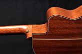木製のバイオリン