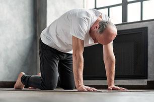 Postura de alongamento para ioga de kund