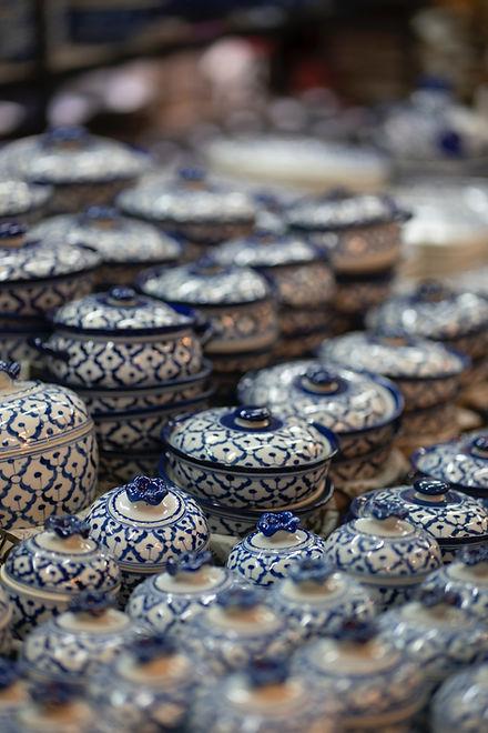 青と白の陶磁器