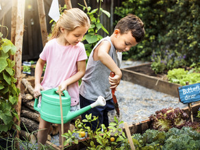 10 FUN ACTS OF KINDNESS THAT CAN HELP TEACH YOUR CHILDREN COMPASSION & EMPATHY