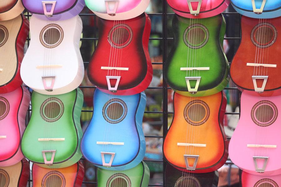 Guitarras coloridas