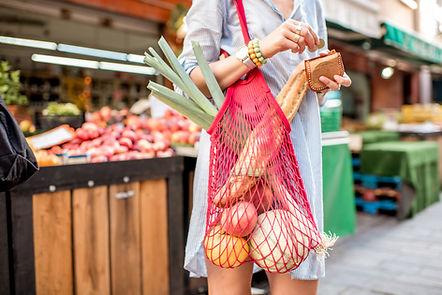 Femme portant un filet de course