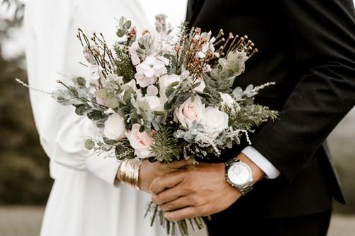 Rustic winter bridal bouquet