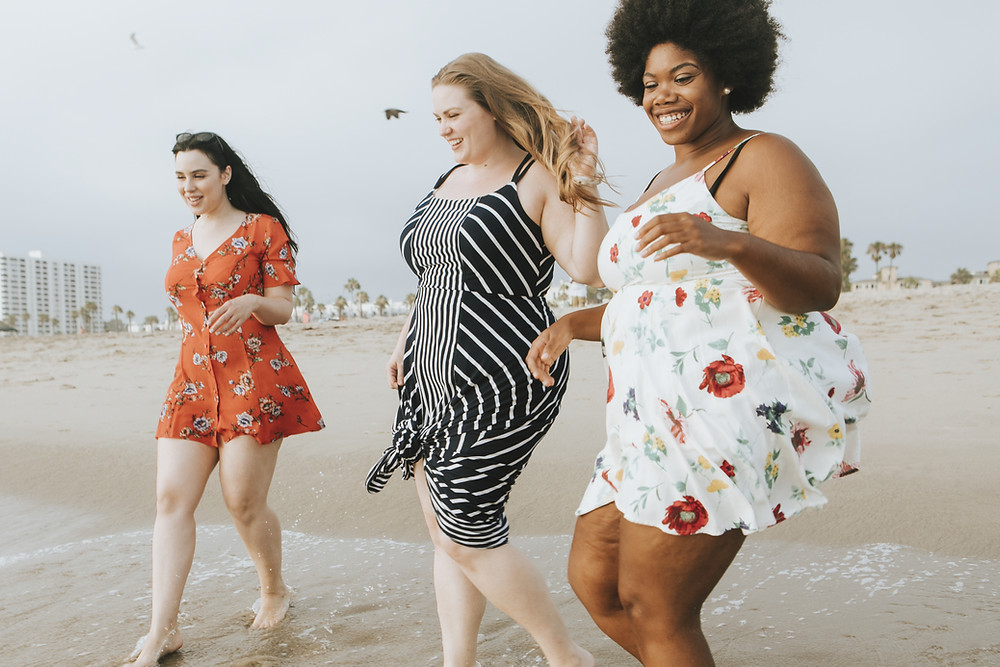 HAES model/ women of size on the beach/ HAES/ health at every size