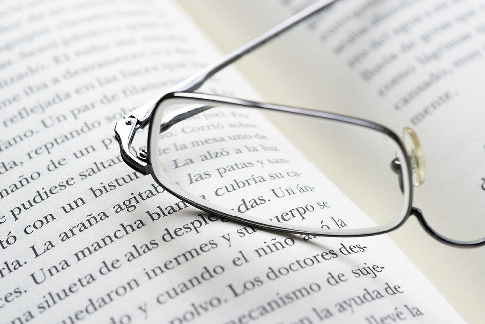 gafas para leer,   Tenemos todos los productos y servicios de ultima generación tales como gafas progresivas, lentillas, lentes de contacto, lentes varilux, gafas de sol, gafas graduadas, ultimas colecciones, audífonos, .... Te esperamos en la calle Biteri 34 de Errenteria.