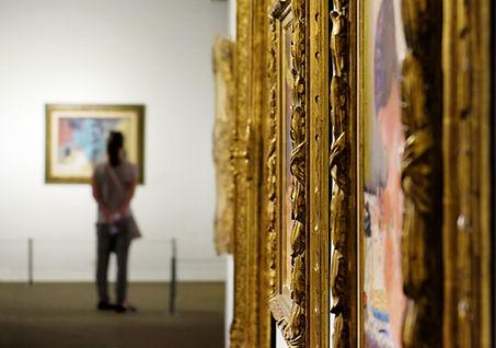 Tableaux dans un musée