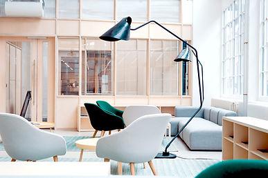 Prestation d'aménagement de locaux professionnels par la décoratrice d'intérieur Mosser Intérieur Design dans le Var