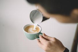 Udvarház Vendéglő Macchiato Kávé