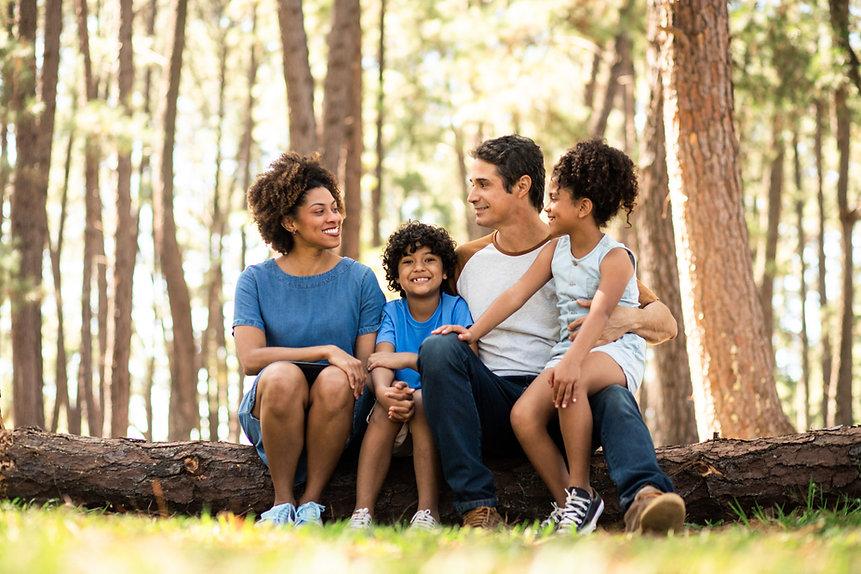 Famille dans la nature